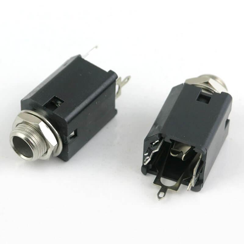 E35 Black Plastic 1/4 Inch Stereo Jack Socket